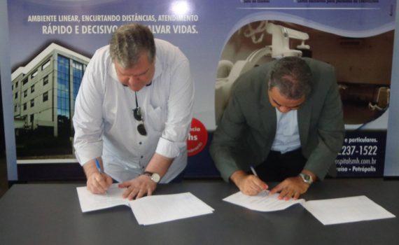 Assinatura Convênio UCP e SMH