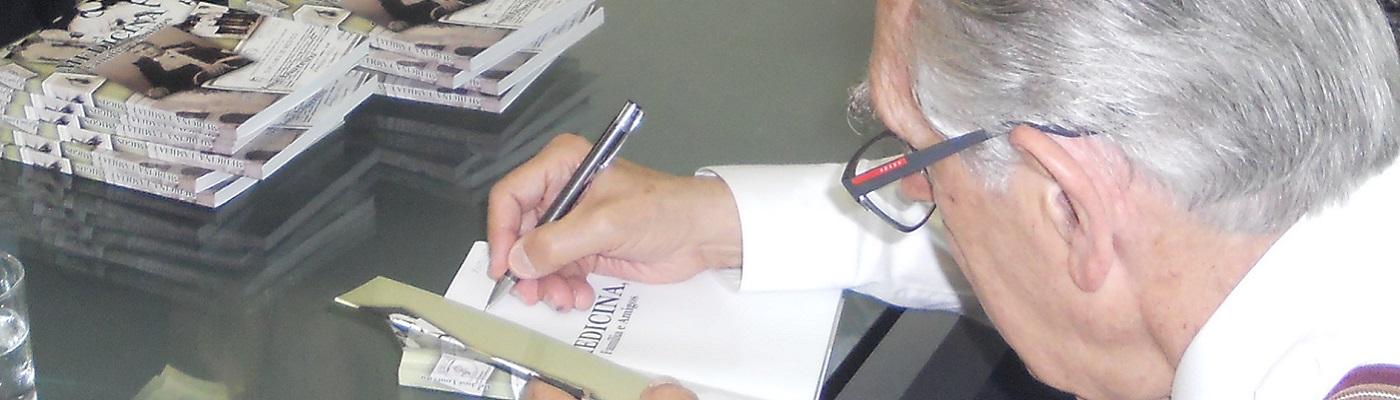 Dr. José Loureiro lança autobiografia